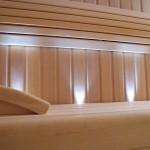 ława drewniana w saunie