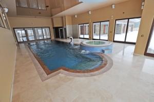 basen prywatny w domu jednorodzinnym we wrocławiu