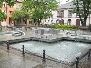 fontanna na rynku w krzeszowicach