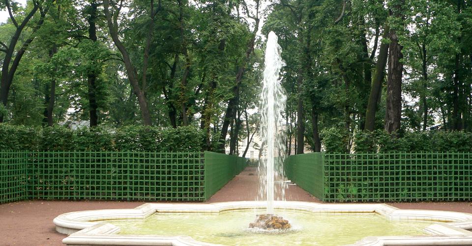 cluster2 mała fontanna w ogrodzie dysza wielostrumieniowa