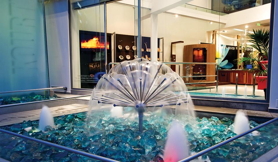 gh558 efektowna fontanna w centrum handlowym kula