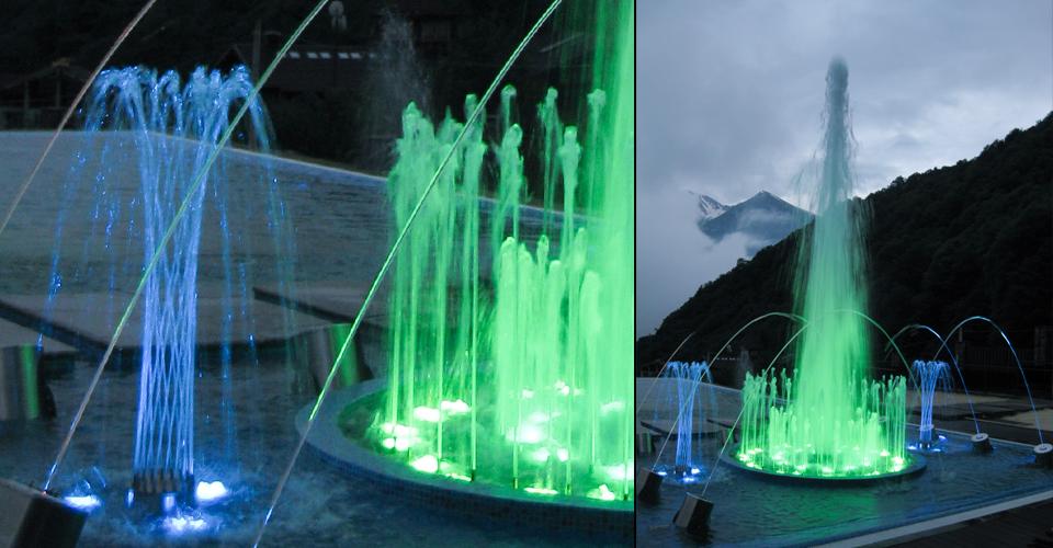 hourglass4 fontanna z efektem wody w kształcie klepsydry