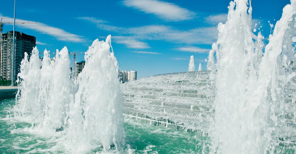 multiplecascades1 fontanna kaskadowa z efektem spienionej wody