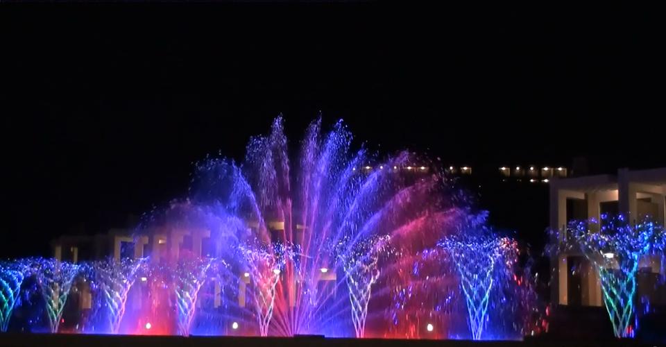 rotating4 fontanna z wirującymi dyszami efektowne oświetlenie